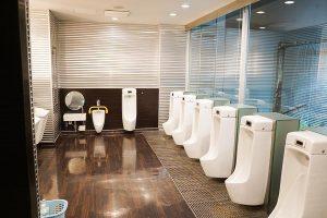 Kariya Highway Oasis's Deluxe Restroom (for Gentlemen)