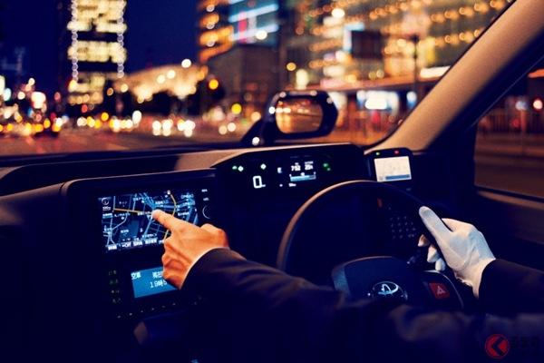 トヨタの「JPNタクシー」はフェンダーミラーを採用している