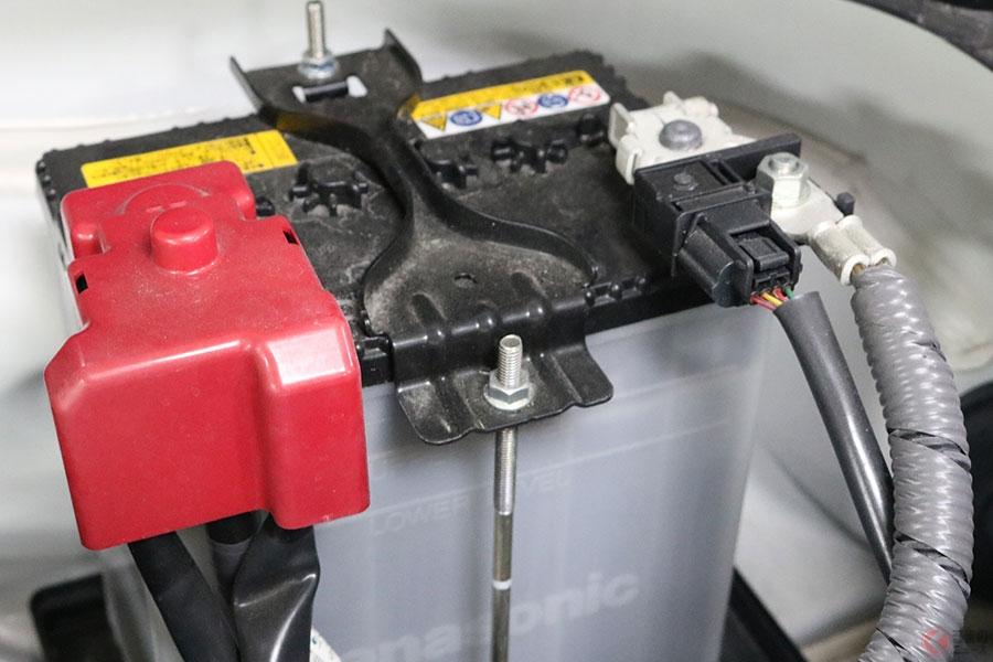 バッテリーには大きく開栓型と密閉型のふたつが存在する