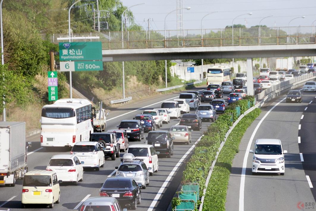 渋滞中は無闇に車線変更をしないほうが早い場合がある