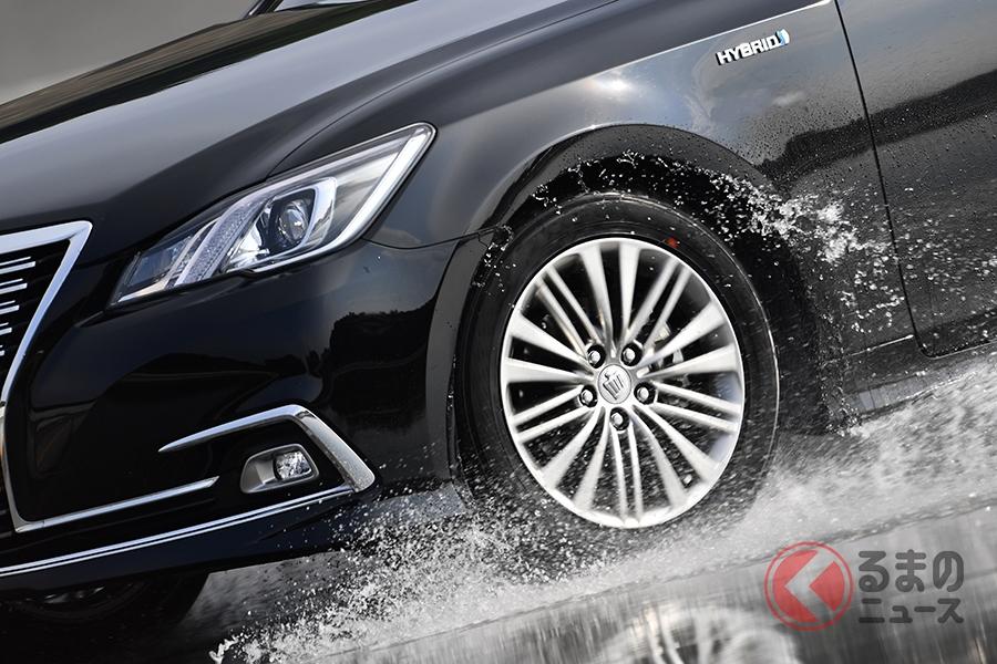 「低燃費タイヤ」は転がり抵抗性能とウエット性能を両立したタイヤのこと