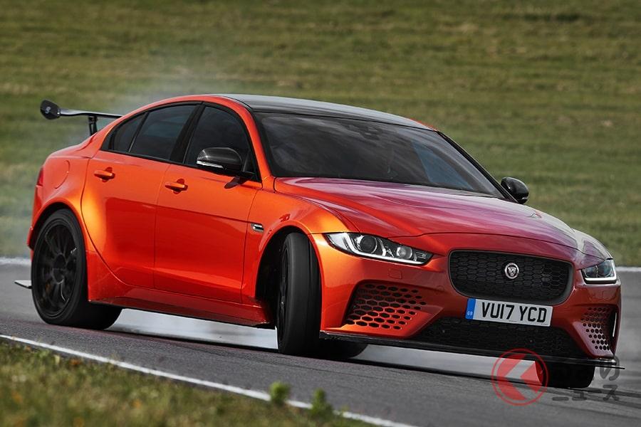 ほぼレーシングカーというくらいの仕上がりをみせる「XE SV プロジェクト8」