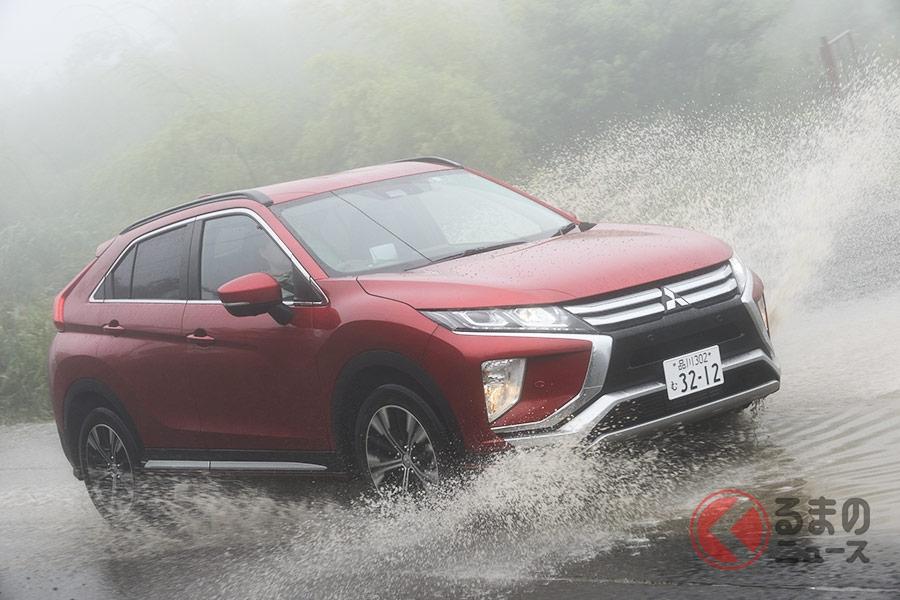 秋は濃霧の発生以外にも台風が多くなる。視界不良の際の冠水路は危険。