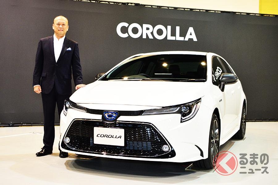 トヨタ新型「カローラ」と開発担当者の上田泰史氏