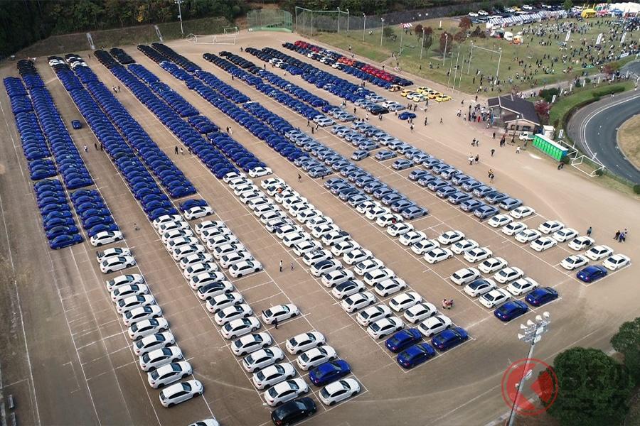 EJ20型エンジンを搭載したスバル車が1000台以上集まった光景は圧巻のひとこと