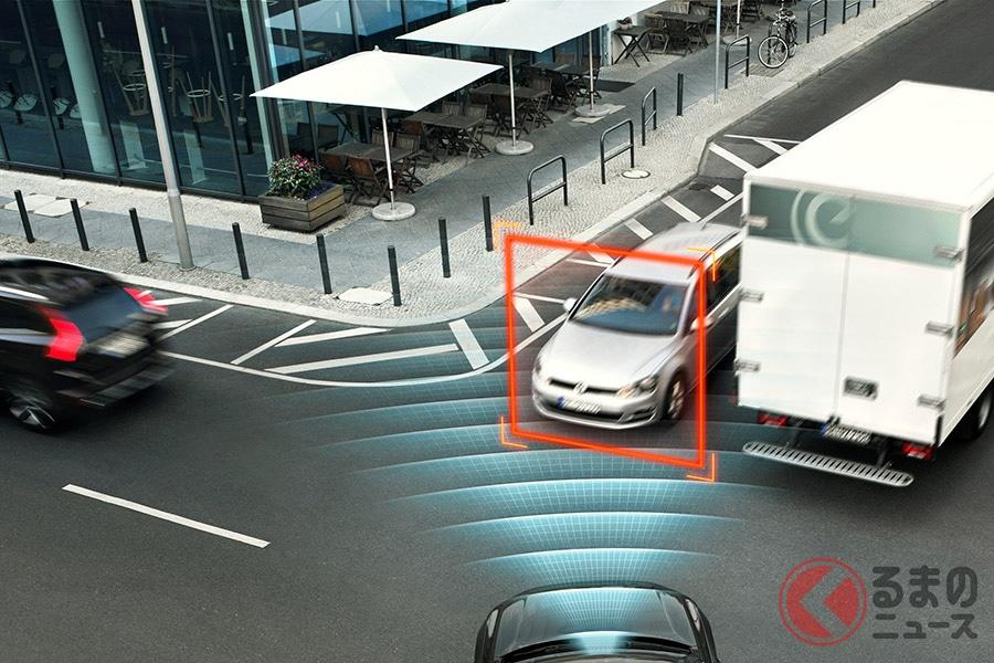 対向車を検知し安全な右折をサポートするインターセクションサポート