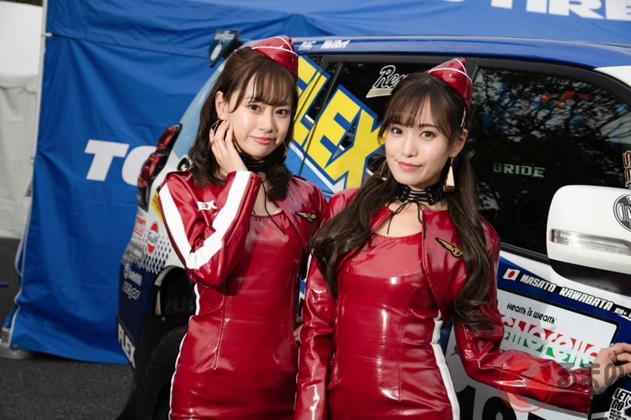 FLEX GIRLの藤澤友千菜さん(左)と引地裕美さん(右)