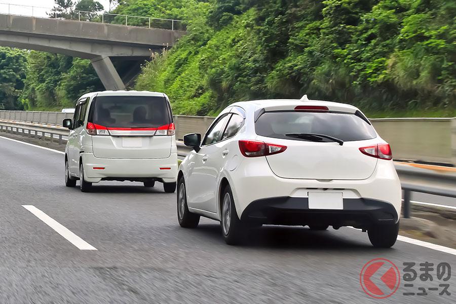 低速すぎる走行は後続車をイライラさせる「逆あおり運転」(イメージ)