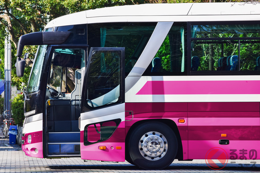 有名テーマパークの臨時休園を受けたバス会社の対応は