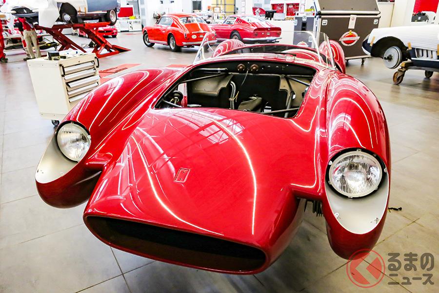 旧フェラーリ正門を抜けてすぐ右手にあるフェラーリのクラシケ部門