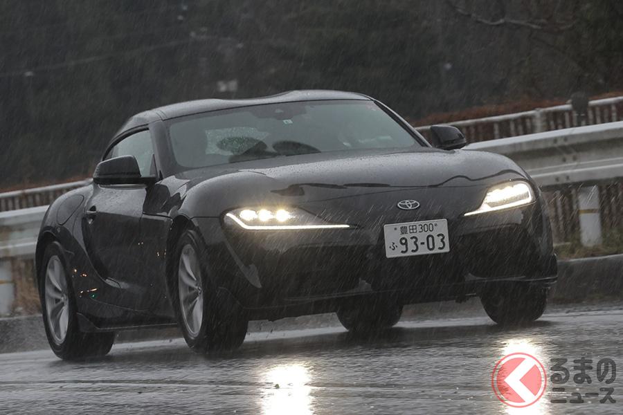 スープラ「RZ」の走り。試乗時は大雨