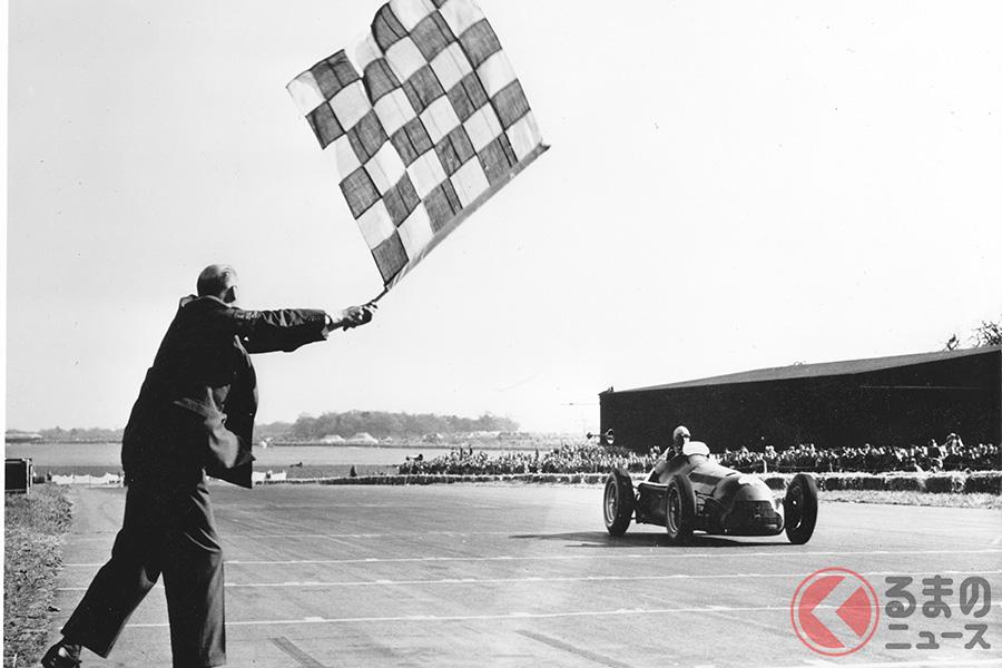 1950年5月13日、シルバーストーンサーキットで初開催されたF1イギリスGPで優勝したアルファ ロメオ158