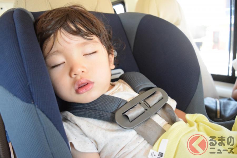 子どもを車内に放置するイメージ