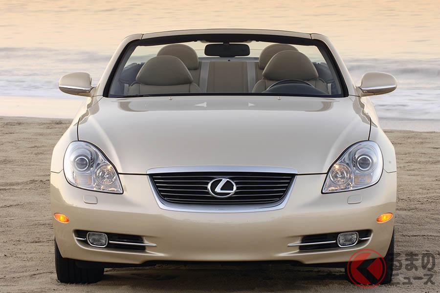 2001年に登場した4シーター電動ハードトップ・カブリオレ、レクサス「SC430」。日本では2005年までトヨタ「ソアラ」名で販売されていた