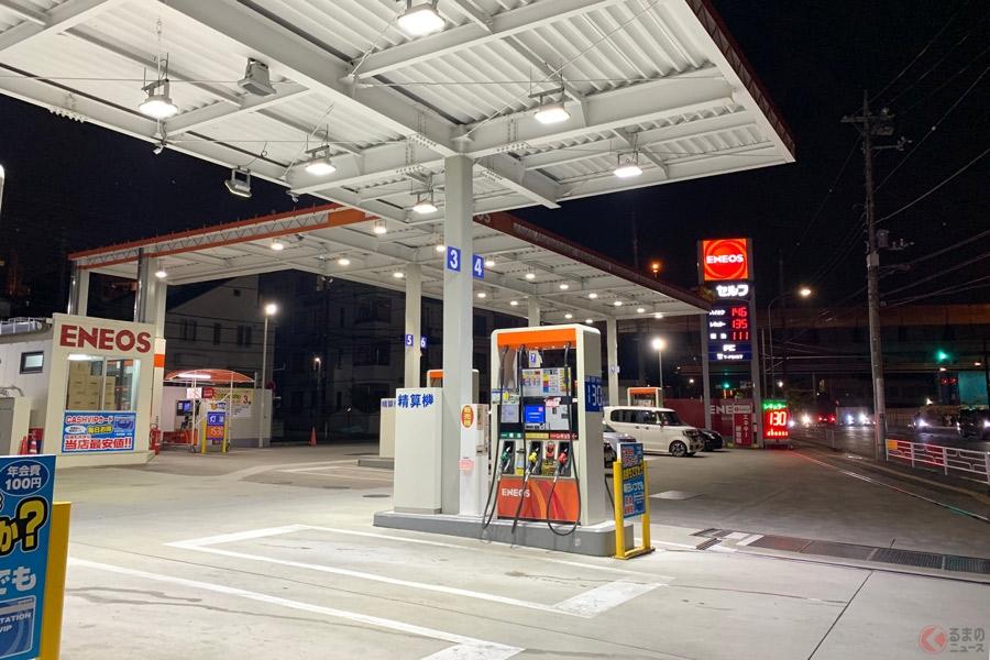セルフ式のガソリンスタンドでも、タイヤの空気圧をチェックすることができる