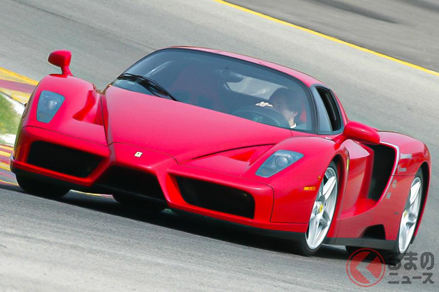 2007年に公開された映画『レッドライン』では、劇中車としてケーニグセグとカーチェイスを演じるエンツォ フェラーリ