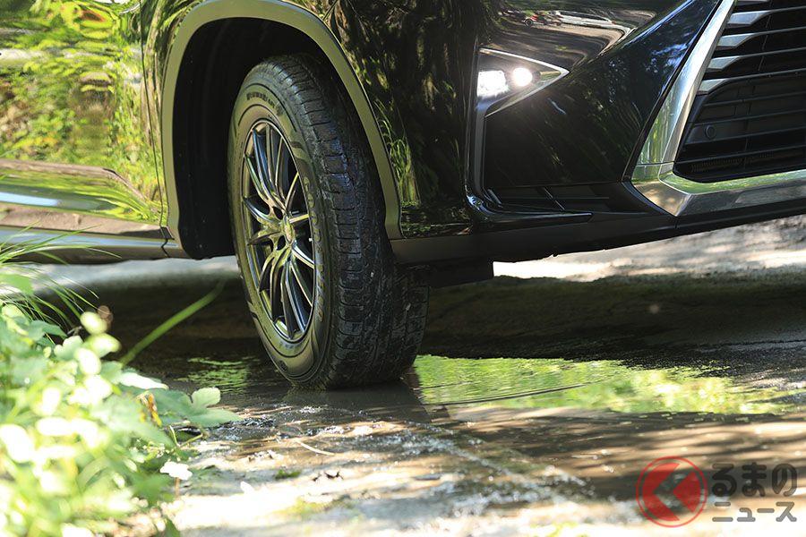オールシーズンタイヤはウエット路面にも強い。写真はグッドイヤー「アシュアランスウェザーレディ」