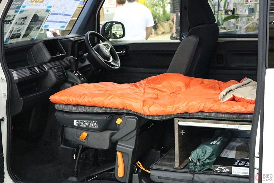 車中泊を想定したクルマも増えており、そのような場合は避難時でも過ごしやすい