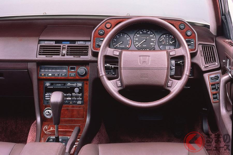 国産車初のエアバッグ搭載車となった初代「レジェンド」のコクピット