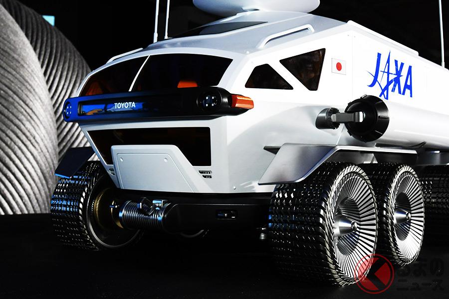 「LUNAR CRUISER(ルナクルーザー)」と命名された月面でのモビリティ(写真は東京モーターショー2019で展示された模型)