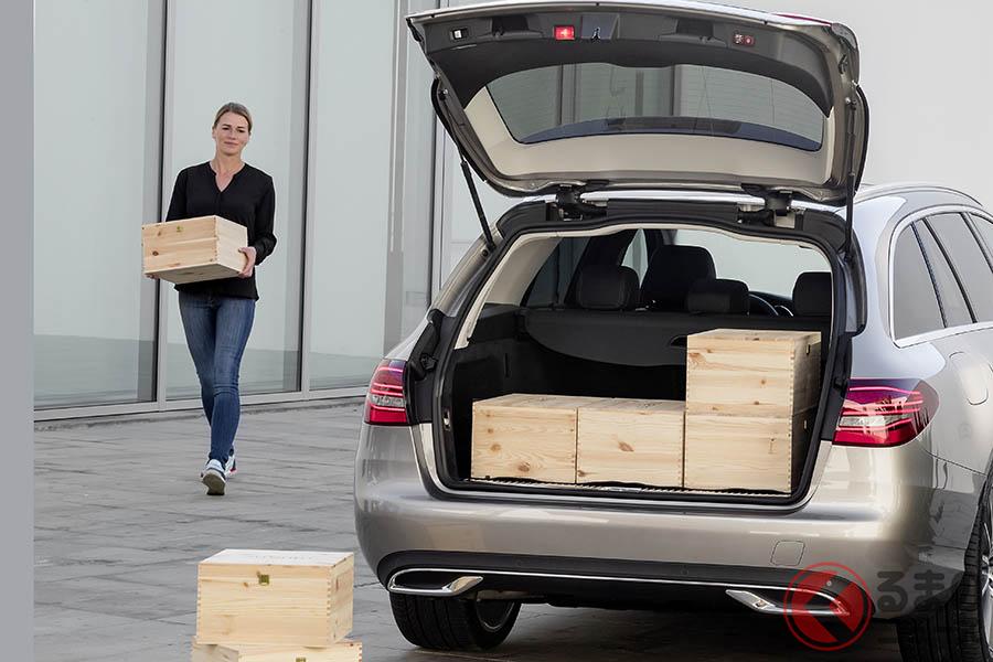 日本ではかつてのような人気がなくなったワゴンモデルだが、その良さはセダンと同じ走行感覚と、セダンにはない荷室容量の広さが挙げられる
