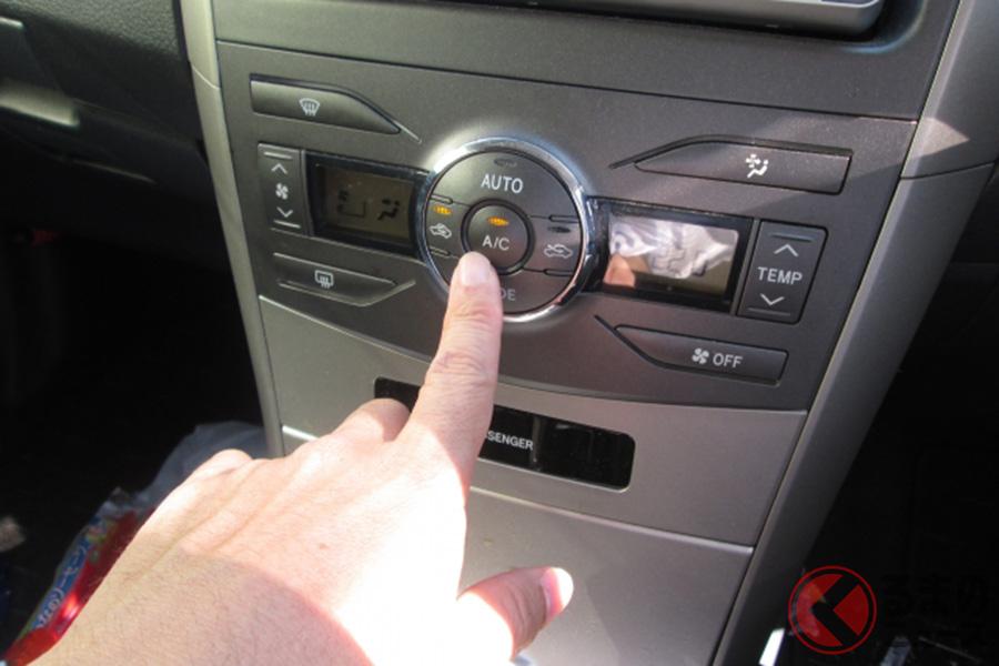 車内でエアコンを使用するイメージ