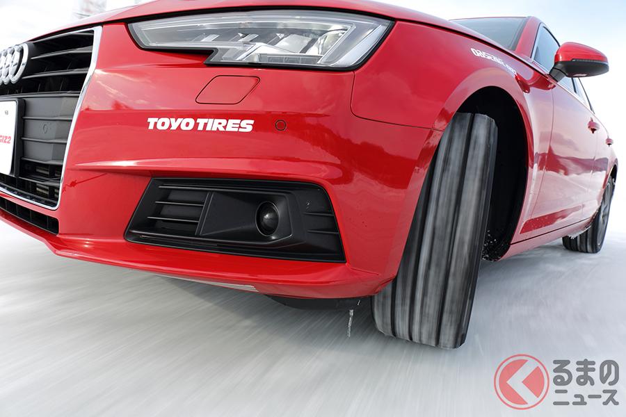 TOYO TIRESの新スタッドレスタイヤ「オブザーブGIZ2(ギズツー)」の走行シーン