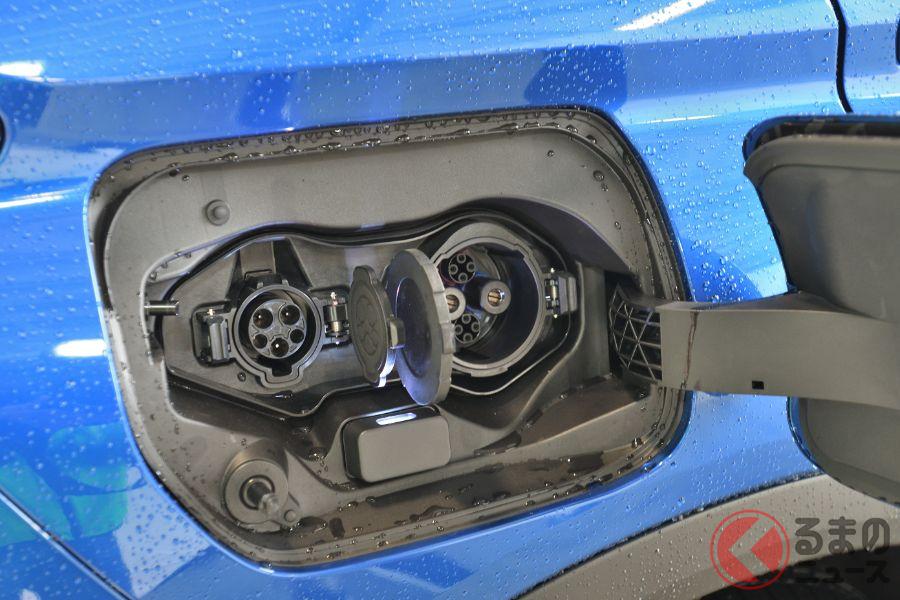 ガソリンを使わなくても十数キロ走れるプラグインハイブリッド車(写真は三菱「エクリプスクロスPHEV」)