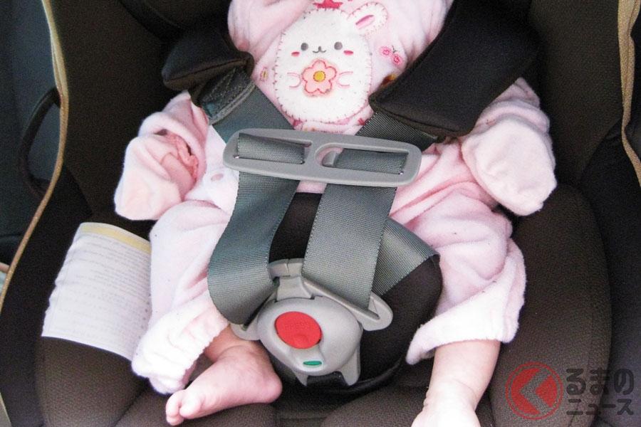 子どもが厚着のままチャイルドシートを使用するのは危険?(写真はイメージ)