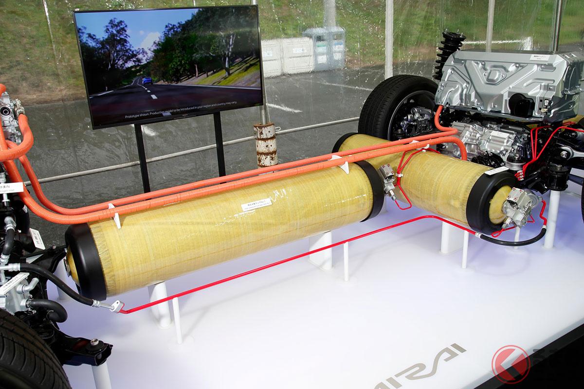 トヨタ新型MIRAIの高圧水素タンク