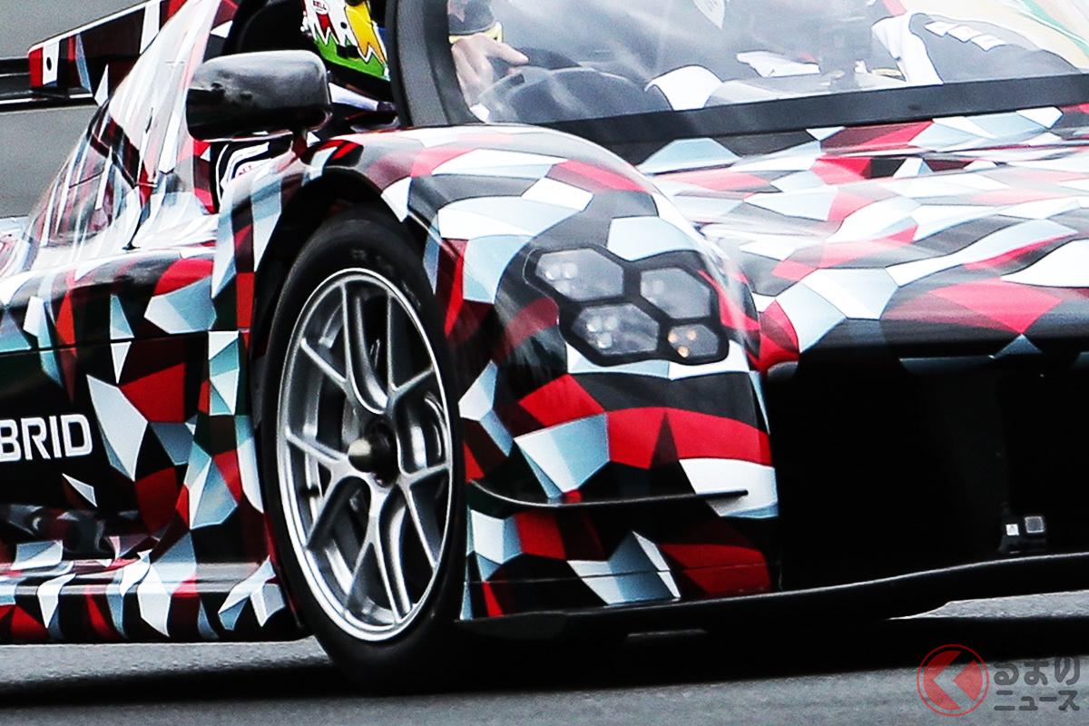 第88回ル・マン24時間レースの決勝を前に走行した開発中のハイパーカー「GRスーパースポーツ」(仮称)のオープン仕様
