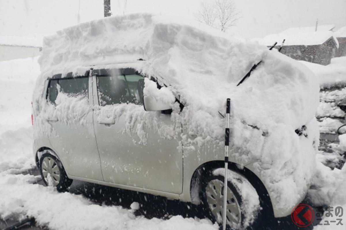 雪によるクルマの立ち往生のイメージ