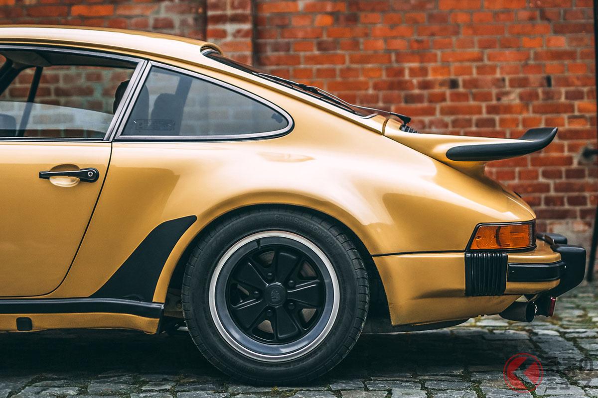 ポルシェ「911ターボ」のリアフェンダーの膨らみとリアスポイラーは、憧れの象徴でもあった(C)2020 Courtesy of RM Sotheby's
