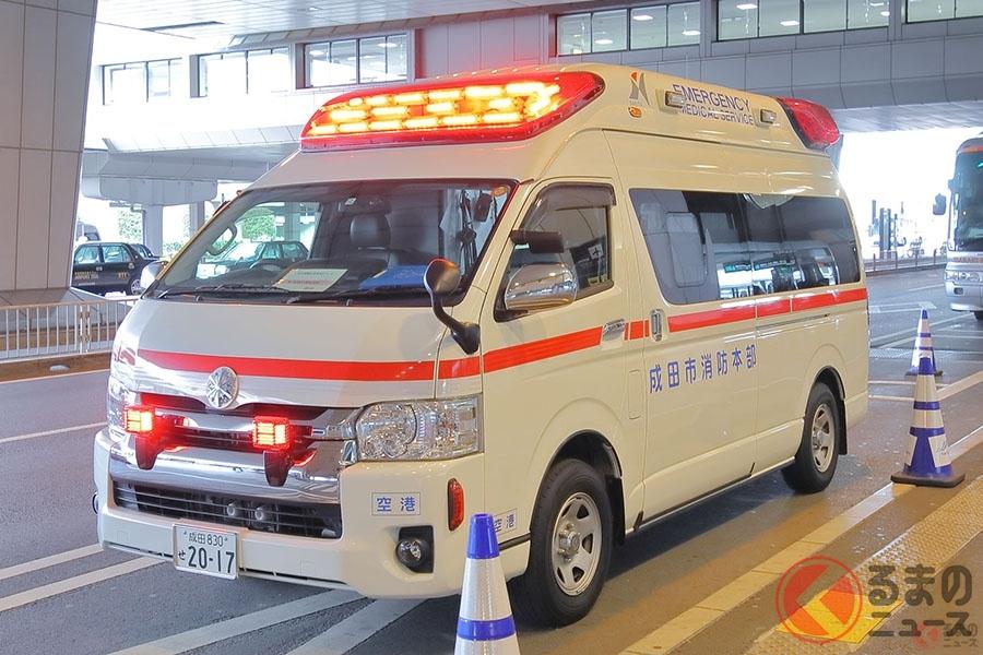 一刻を争う場合も。緊急で患者などを病院へ運ぶ救急車