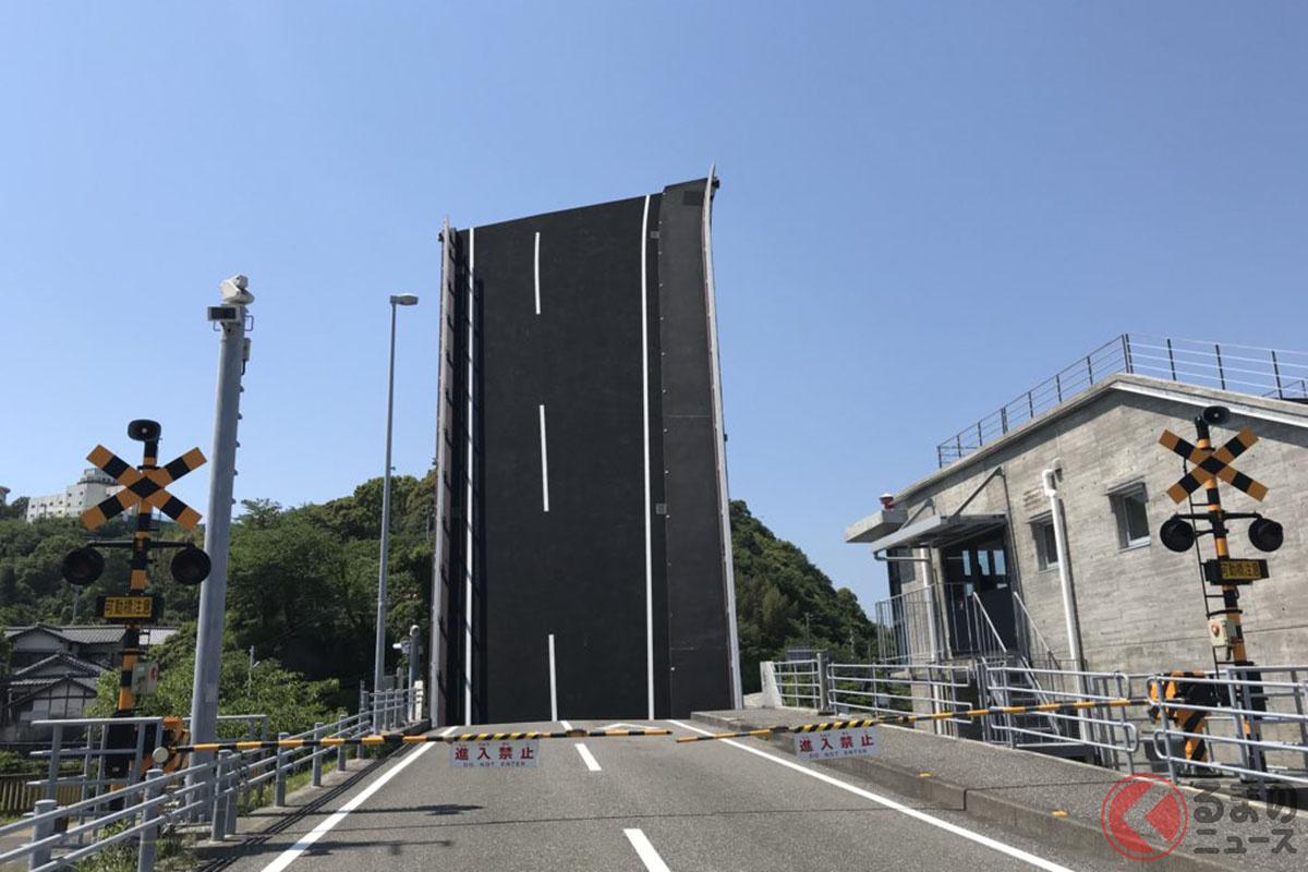 高知県手結港臨港道路可動橋(画像提供:@estimind7735さん)