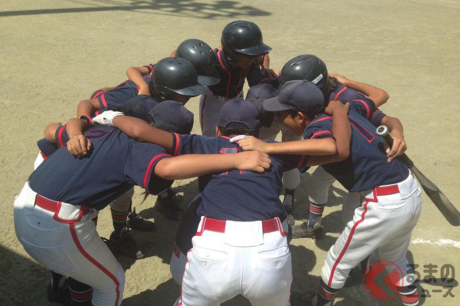 野球は9人、サッカーは11人の人数が必要!