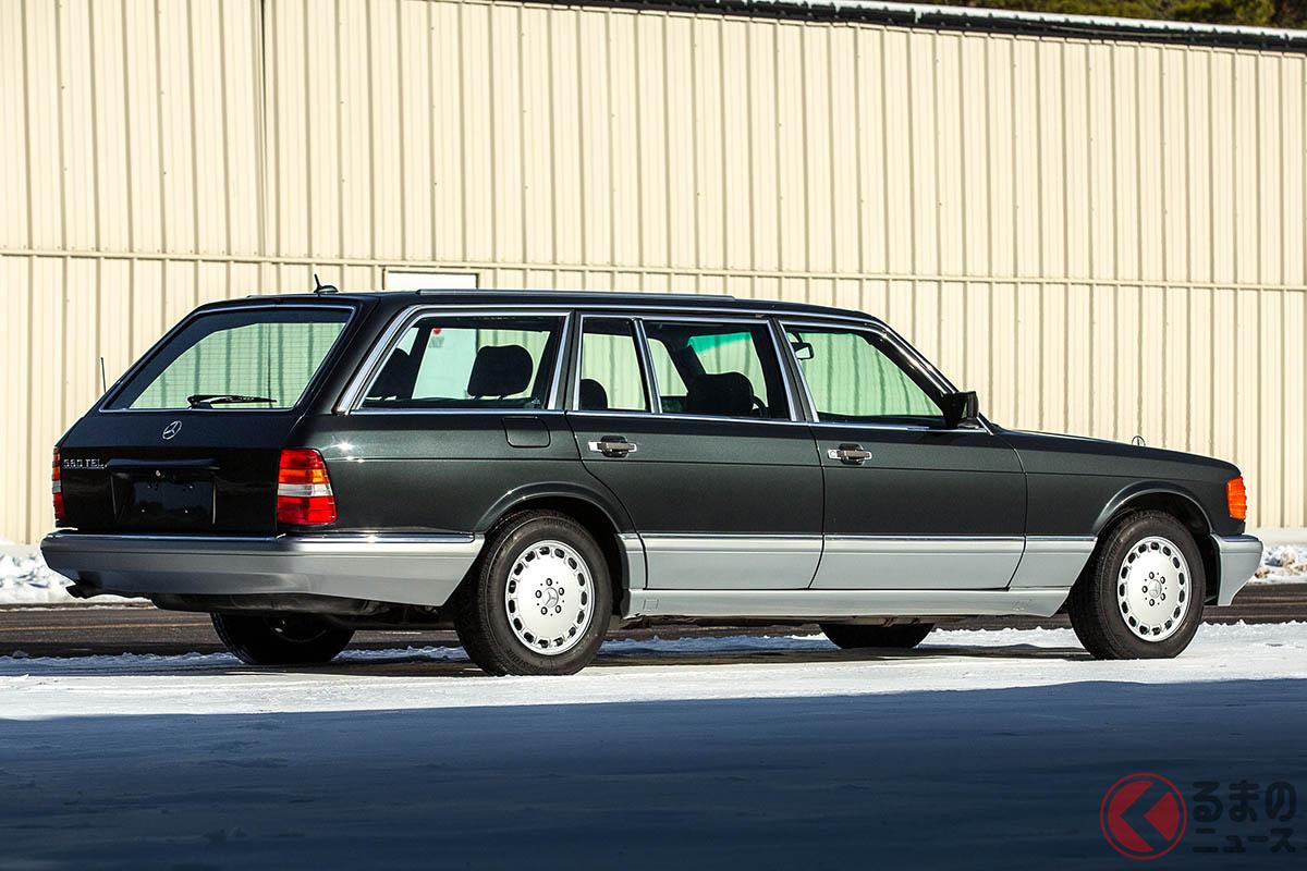 W124ワゴン(S124)用のパーツを巧みに使って仕上げられたメルセデス・ベンツ「560TELエステート by カロ」(C)2020 RM Sothebys