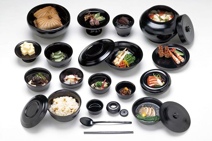 奈良時代の貴族の宴会料理の再現模型 奥村彪生監修 奈良文化財研究所蔵