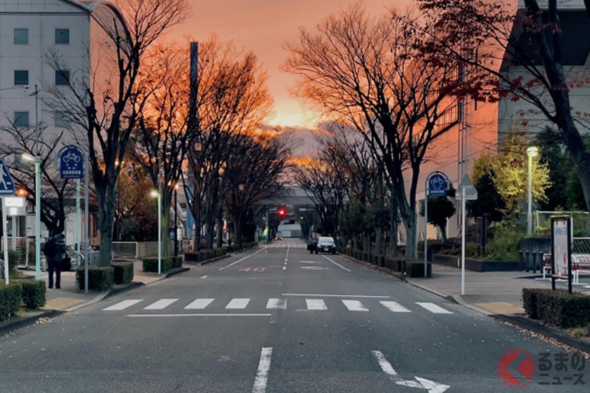 信号のない横断歩道のイメージ