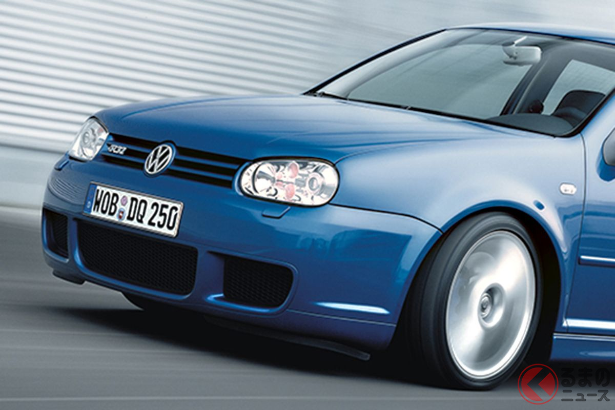 いまから18年前の2003年に登場したVW「ゴルフIV・R32」が、量産車初のDSG(DCT)搭載モデルだった