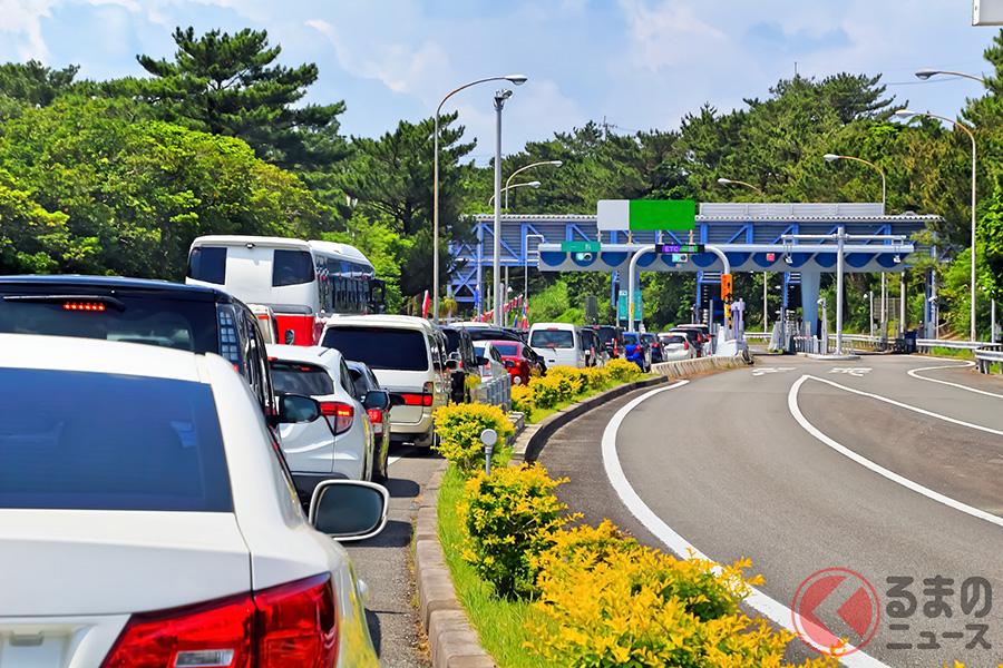 かつておこなわれた「高速道路無料化」「高速道路料金休日1000円」の景気対策は経済対策をもたらしたが渋滞も発生した(写真はイメージ)