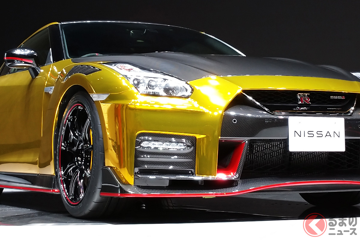 日産が特別に製作したゴールド仕様の「GT-R NISMO 2022年モデル」