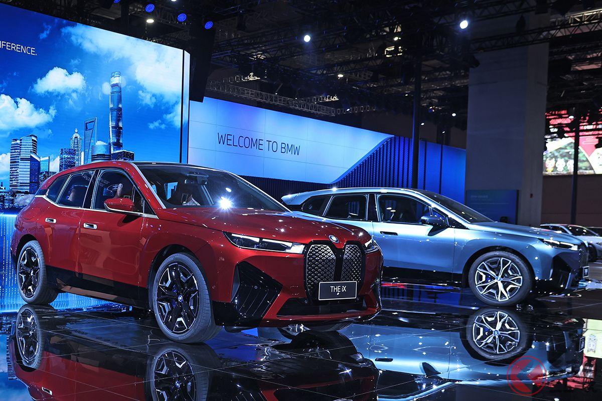 上海モーターショーで世界初公開されたBMW「iX」