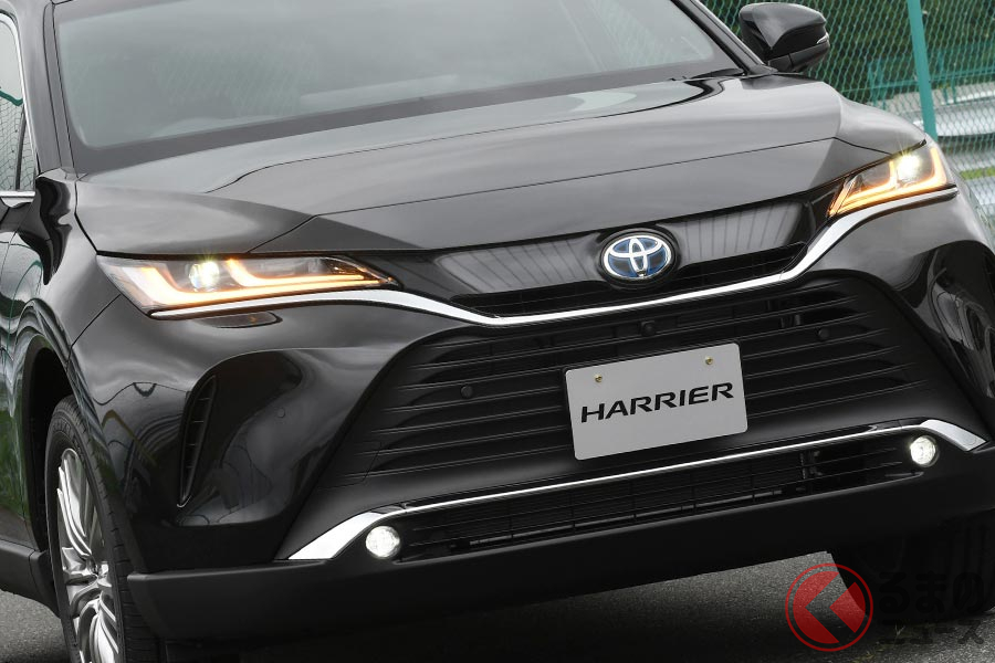 ミドルサイズSUVでは高い燃費性能を誇るトヨタ「ハリアー」