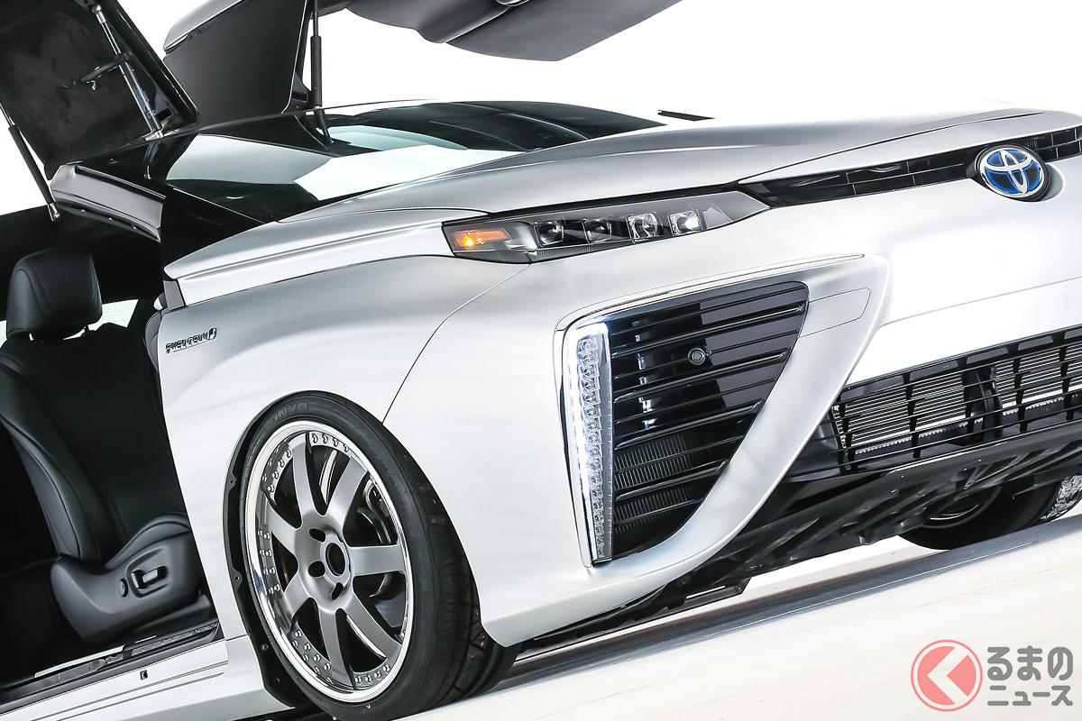 トヨタが2015年の初代「ミライ」発売時にお披露目したバック・トゥ・ザ・フューチャーとのコラボカスタムカー