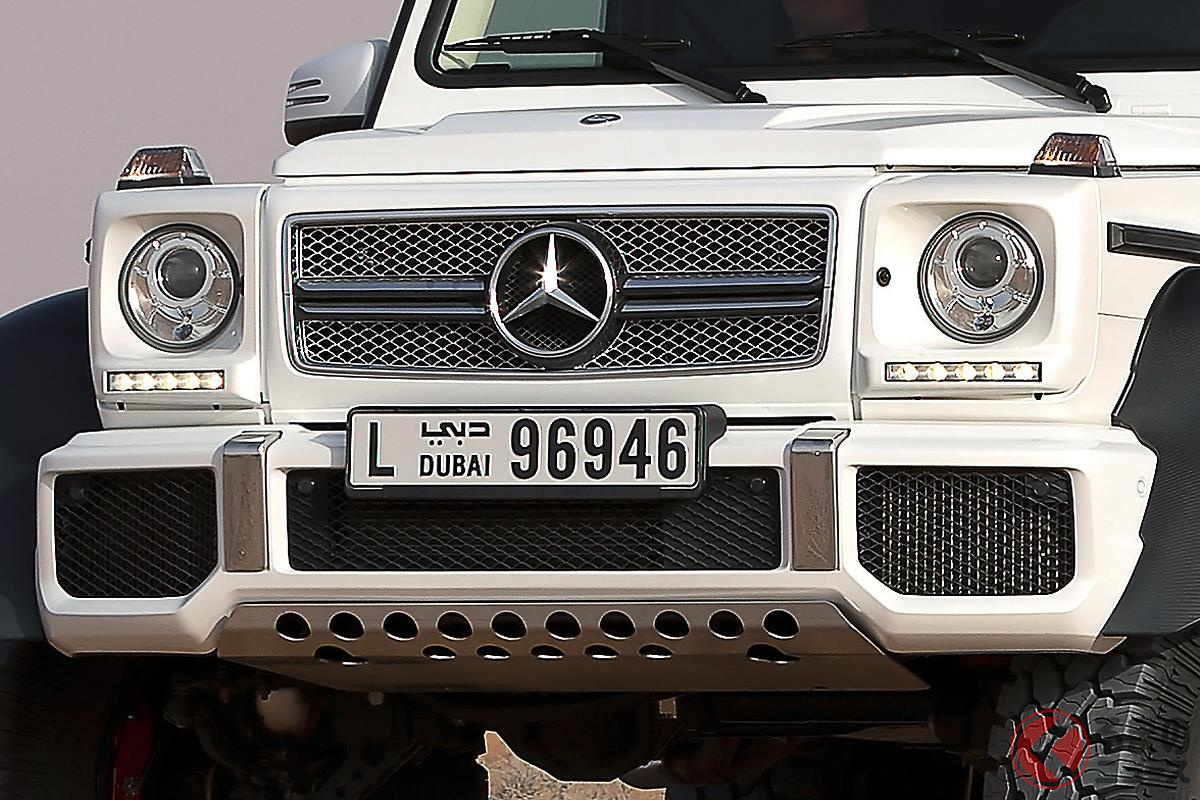 巨大なボディに6輪駆動でセレブをどんな場所にも連れていける「G63 AMG 6x6」