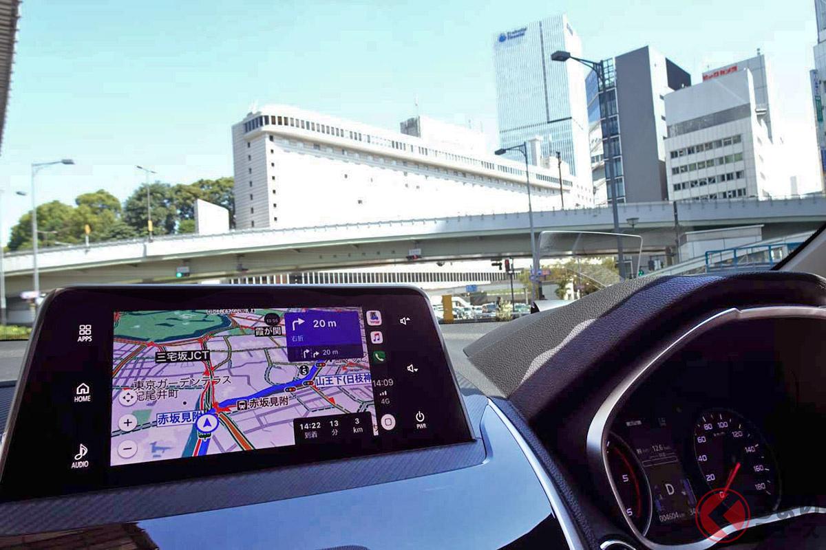 一見して車載ナビにも見えるが、ディスプレイオーディオでスマホ用ナビアプリ「Yahoo!ナビ」を展開している。写真は三菱「エクリプス クロス」