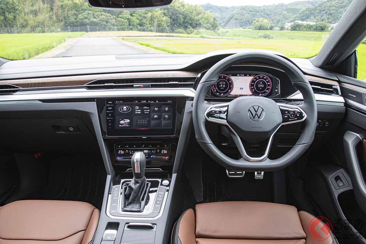 VW新型「アルテオン・シューティングブレーク」のインパネ