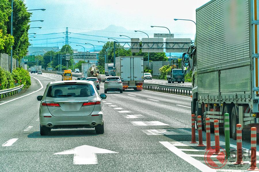 苦手な人多数存在、高速道路の合流ってどうすればいいの?