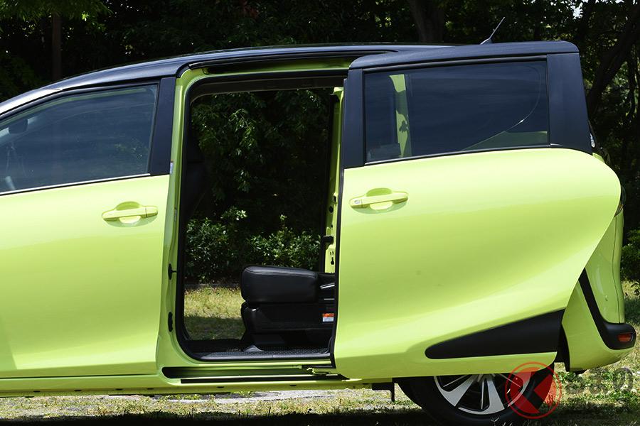 トヨタ「シエンタ」の後席両側スライドドア